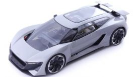 voiture futuriste grise