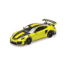 voiture de sport jaune verte avec bandes noires