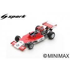 vieille voiture de course formule 1 rouge et blanche