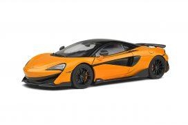 voiture de sport coupe orange