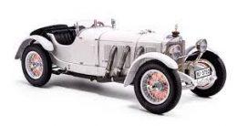 vieille voiture blanche