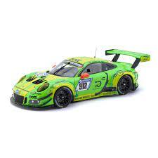 voiture de course verte